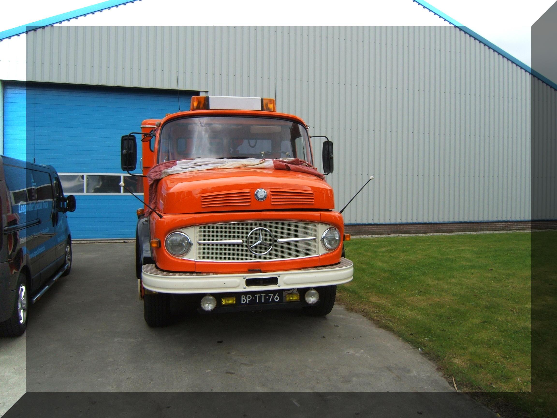 ford truck with Fotoboek 20mercedes on Fotoboek 20Mercedes in addition 1960fordf100 wordpress in addition 4442503895 in addition 6162759743 in addition Kenworth K100 105 large.